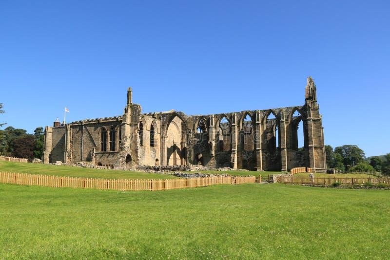 Fördärvar av den Bolton abbotskloster och kyrkan royaltyfri fotografi