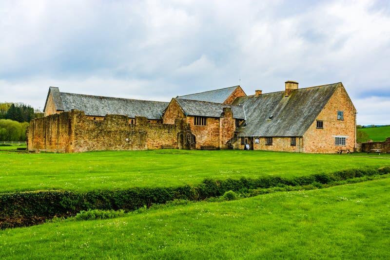 Fördärvar av den Cleeve abbotskloster i Washford, Somerset, England, UK royaltyfria foton