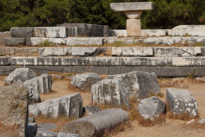 Fördärvar av den forntida Asklepionen på den Kos ön royaltyfri foto