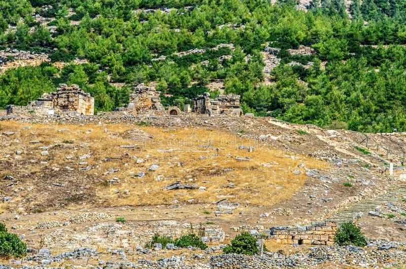 Fördärvar av den forntida staden av Hierapolis royaltyfria foton