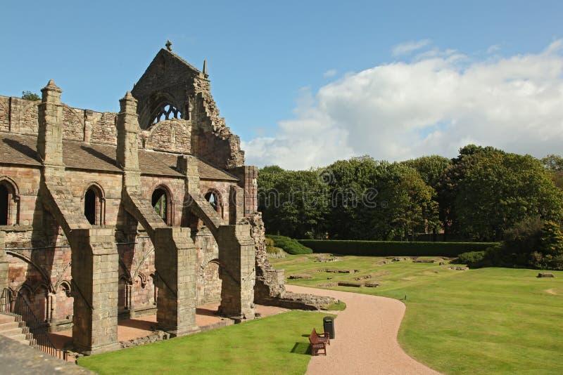 Fördärvar av den Holyrood abbotskloster, Edinburg royaltyfri bild