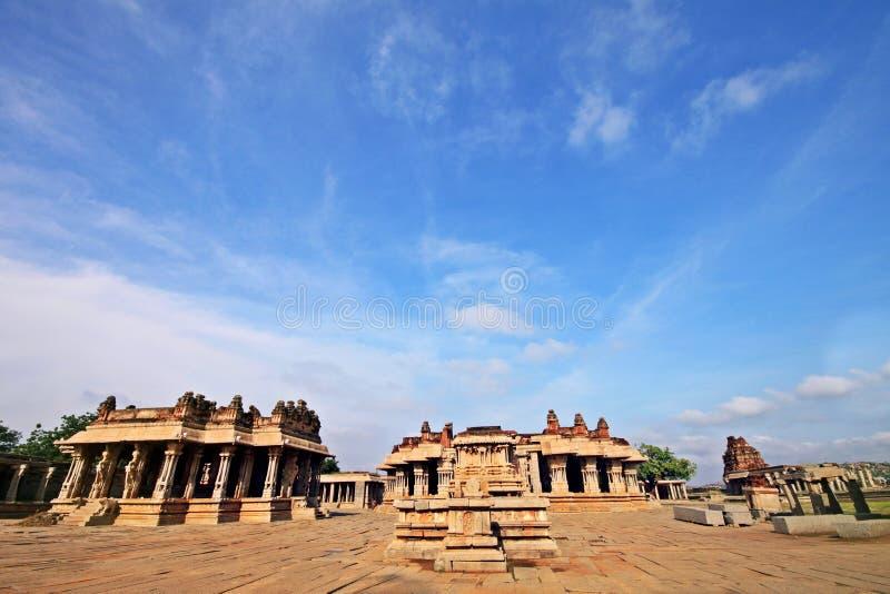 Fördärvar av den iconic Vittala templet i Hampi, Indien arkivfoton