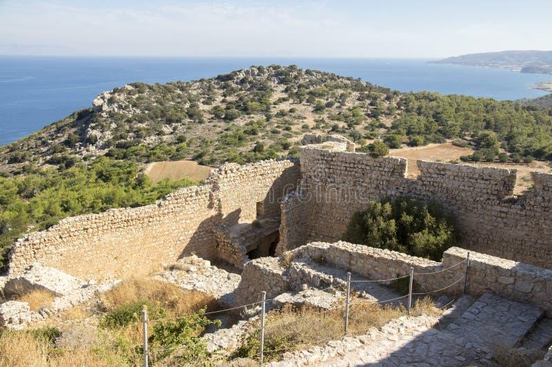Fördärvar av den Kastellos slotten, Kritinia, Rhodes, Grekland royaltyfria bilder
