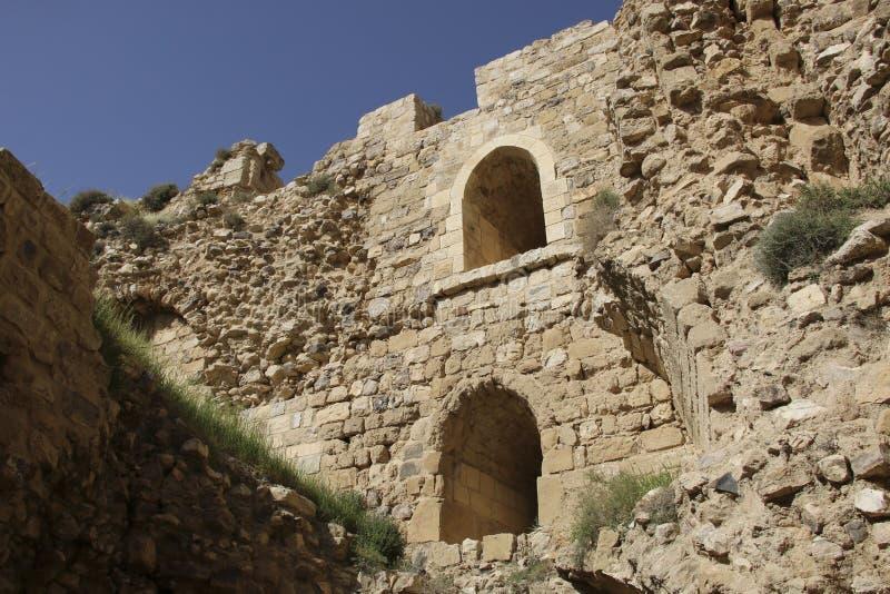 Fördärvar av den Kerak slotten, en stor korsfarareslott i Kerak Al arkivfoto