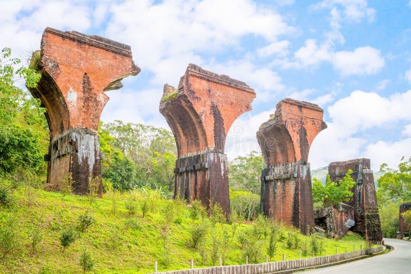 Fördärvar av den långa-teng bron, Miaoli County, Taiwan royaltyfri fotografi