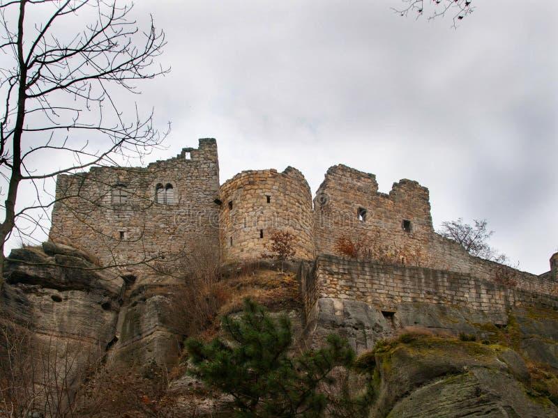 Fördärvar av den Oybin slotten i det Görlitz området, i Sachsen, Tyskland royaltyfria foton