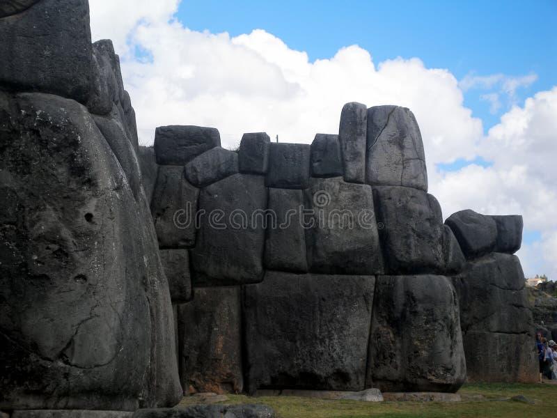 Fördärvar av den Saksaywaman citadellen i Cusco, Peru royaltyfri bild