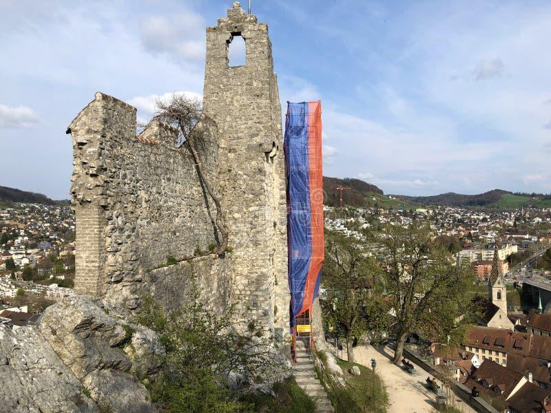 Fördärvar av den Stein Castle eller Schloss ölkrus- eller Ruine ölkruset eller den Schlossruine ölkruset, Baden royaltyfri foto