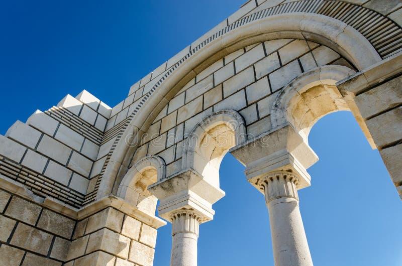 Fördärvar av den stora basilikan av Pliska, Bulgarien royaltyfri bild