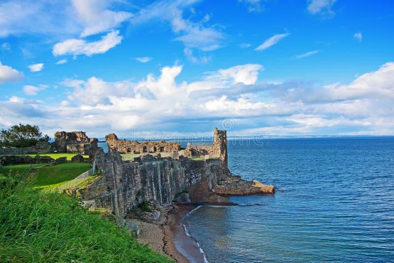 Fördärvar av det St Andrews slottet fotografering för bildbyråer