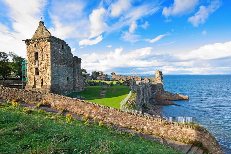 Fördärvar av det St Andrews slottet arkivfoton