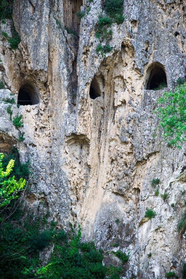 Fördärvar av ett forntida romerskt galleri i Italien arkivfoton