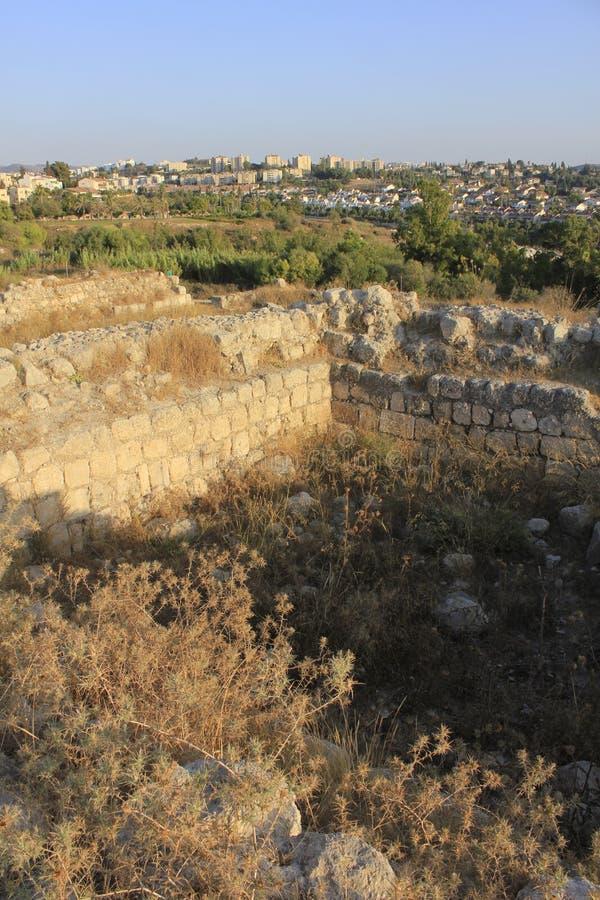 Fördärvar av forntida och biblcal stad av Beit Shemesh arkivfoton