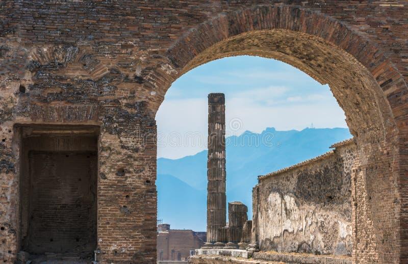 Fördärvar av forntida Pompeii, Italien arkivfoto