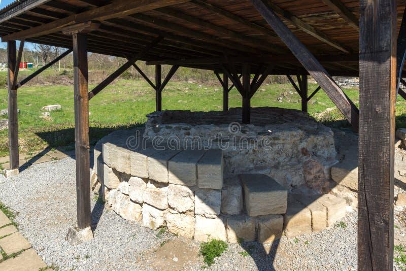 Fördärvar av huvudstaden av det medeltida fästet stora Preslav Veliki Preslav, Bulgarien för första bulgariska välde arkivfoto