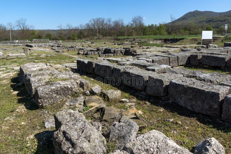 Fördärvar av huvudstaden av det medeltida fästet stora Preslav Veliki Preslav, Bulgarien för första bulgariska välde royaltyfri foto