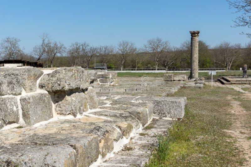 Fördärvar av huvudstaden av det medeltida fästet stora Preslav Veliki Preslav, Bulgarien för första bulgariska välde arkivbilder