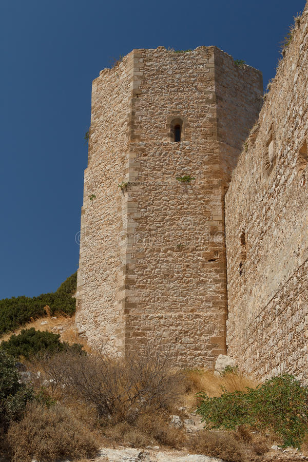 Fördärvar av Kritinia den medeltida slotten på den Rhodes ön arkivbilder