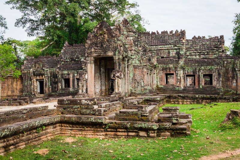 Fördärvar av Pra Khan Temple i Angkor Thom av Cambodja royaltyfri fotografi