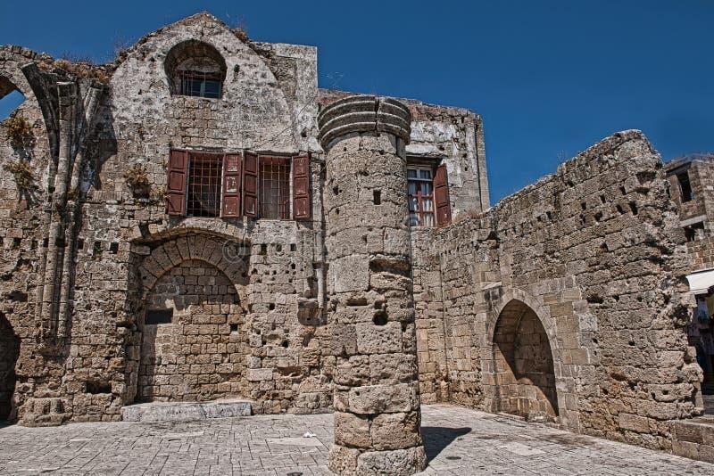 Fördärvar av Roman Gothic Church, Rhodes arkivbild