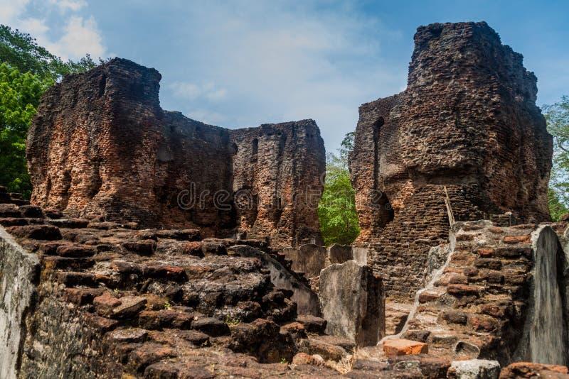Fördärvar av Royal Palace av konungen Parakramabahu i den forntida staden Polonnaruwa, Sri LAN royaltyfri fotografi
