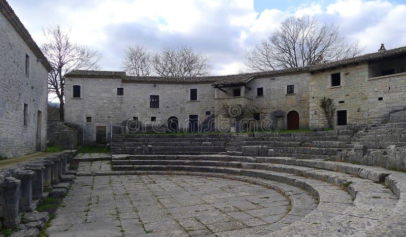 Fördärvar av Saepinum Altilia, Molise, Italien royaltyfria foton
