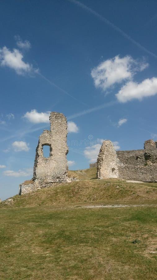Fördärvar av slott i västra Slovakien royaltyfria bilder