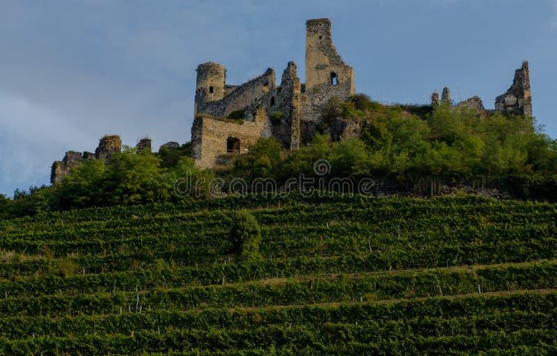 Fördärvar av slotten Seftenberg royaltyfria bilder