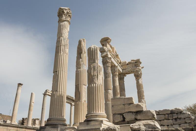 Fördärvar av templet av Trajan fotografering för bildbyråer