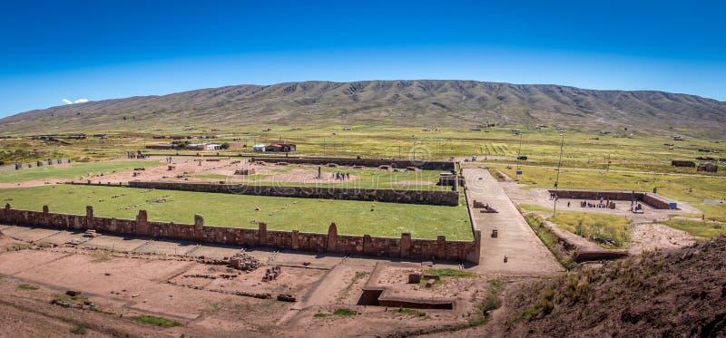Fördärvar av Tiwanaku Tiahuanaco, denColumbian arkeologiska platsen - La Paz, Bolivia royaltyfria bilder