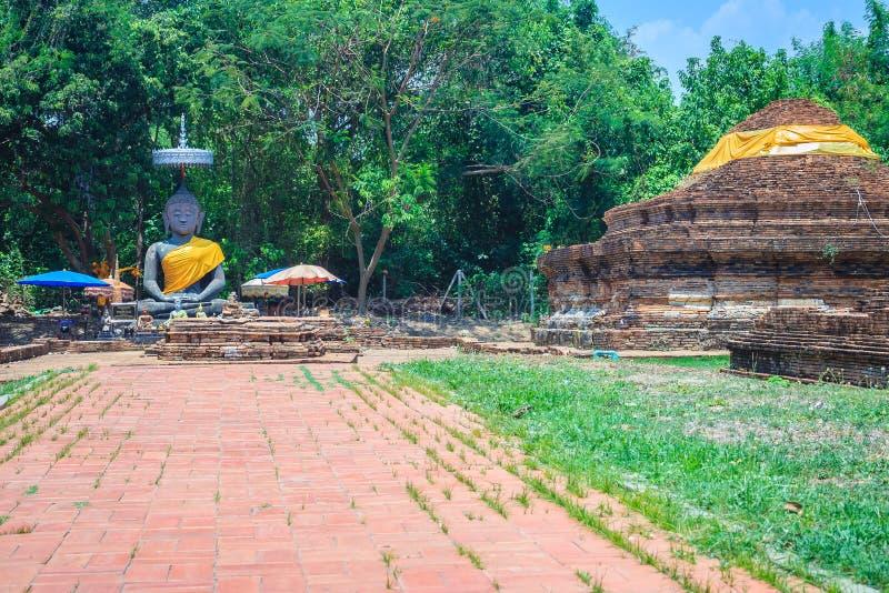 Fördärvar av Wat That Khao, en av de förstörda templen i Wiang Kum K royaltyfri bild