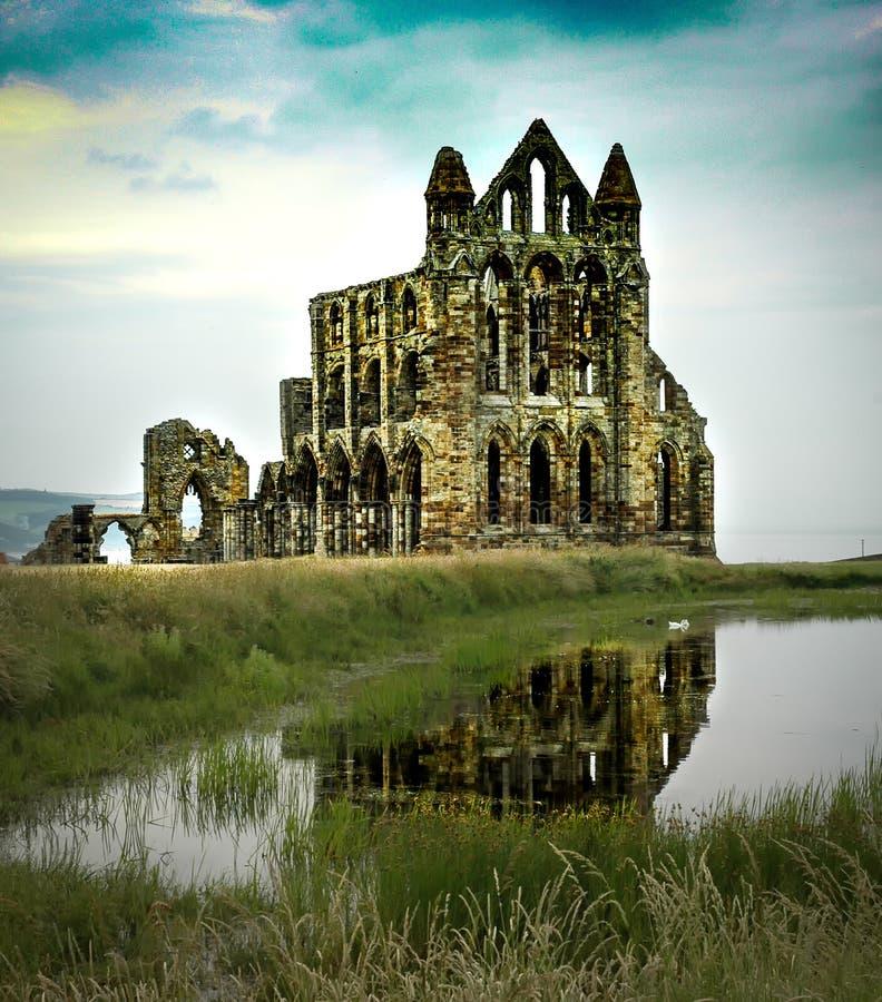 Fördärvar av Whitby Abby North Yorkshire, England royaltyfria foton