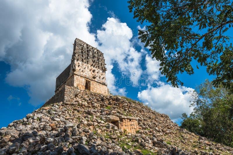 Fördärvar den mayan pyramiden för El Mirador, Labna, Yucatan, Mexico royaltyfri bild