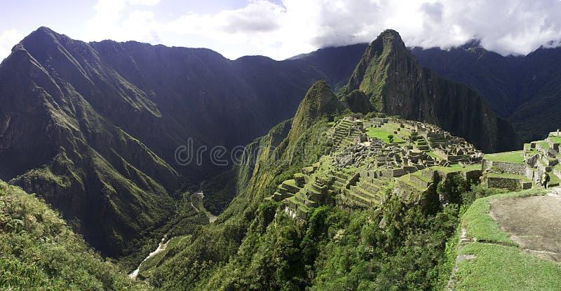 fördärvar den panorama- peru för incamacchuen picchuen arkivfoto