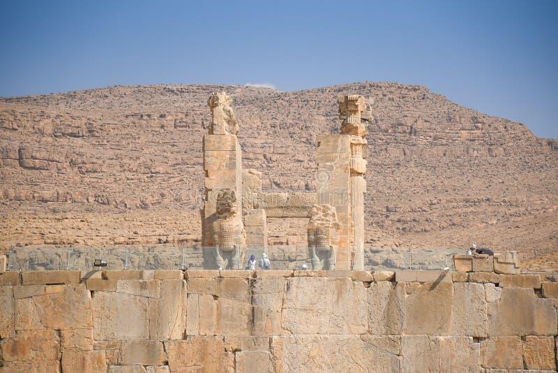 Fördärvar porten av Persepolis i Shiraz, Iran fotografering för bildbyråer