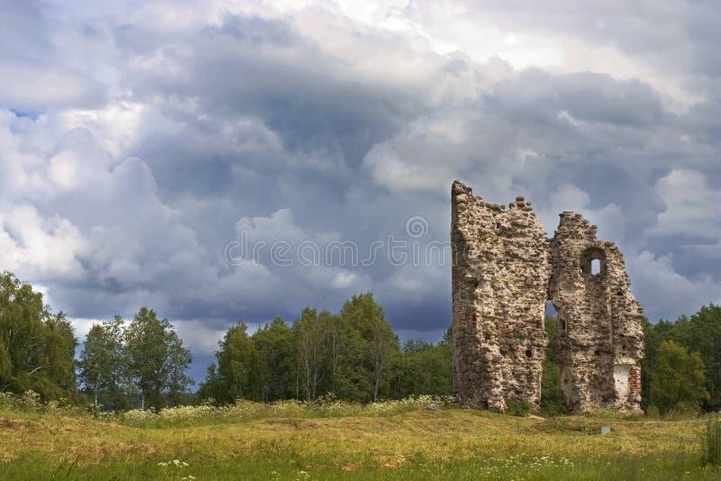 fördärvat slott arkivbilder