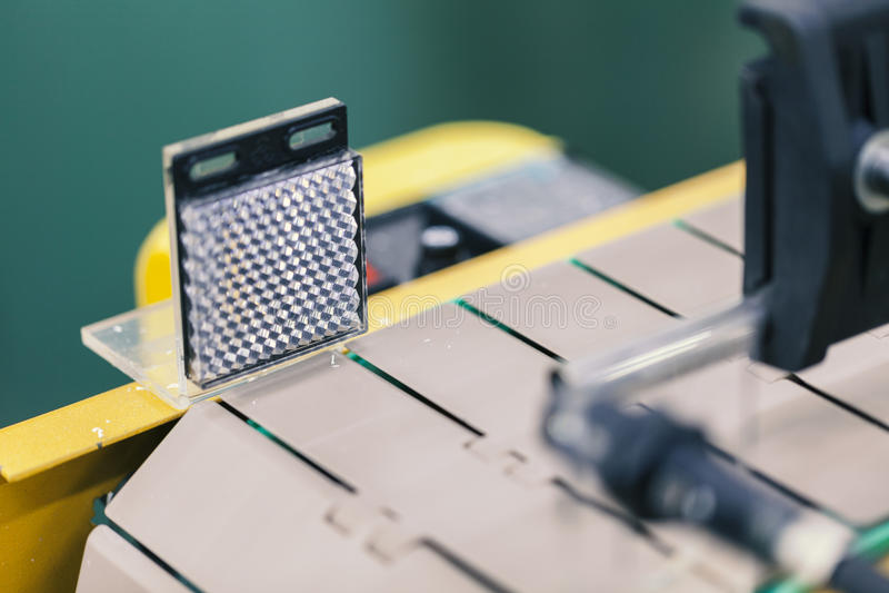 Förderband mit Sensor lizenzfreies stockfoto