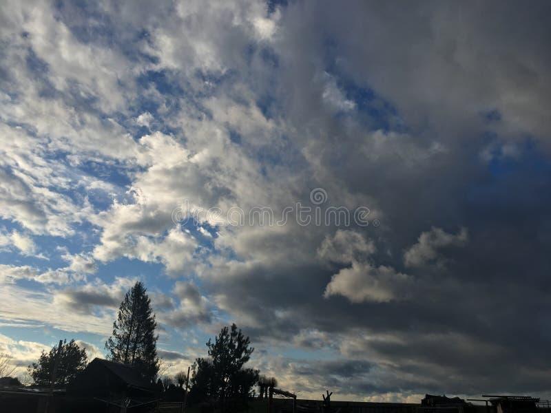 Fördunklar himmel, solnedgång royaltyfri fotografi