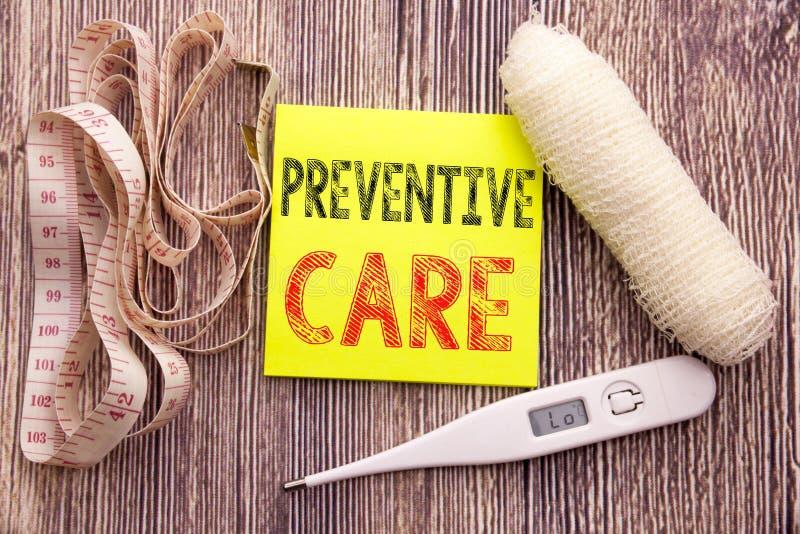 FÖREBYGGANDE OMSORG Vård- begrepp för affärskondition för tom pappers- bakgrund för vård- anmärkning för medicinomsorg skriftlig  arkivfoton