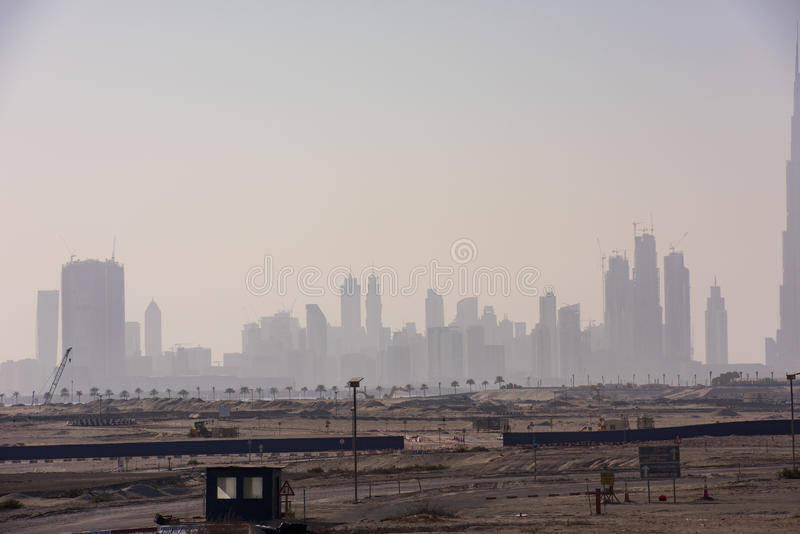 förenade arabiska skyskrapor för sheikhen för vägen för panoramat för mittstadsdubai emirates zayed arkivbild