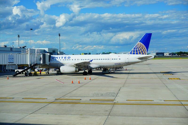 förenade flygbolag royaltyfria foton