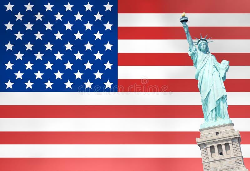 Förenar tillståndsflaggastatyn av frihet royaltyfri fotografi