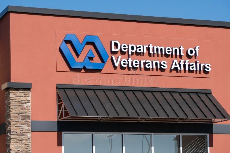 Förenta staternaavdelning av yttersida för veteranangelägenhetklinik fotografering för bildbyråer