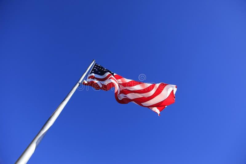 Förenta staternaflaggan på lampglaset vaggar fotografering för bildbyråer