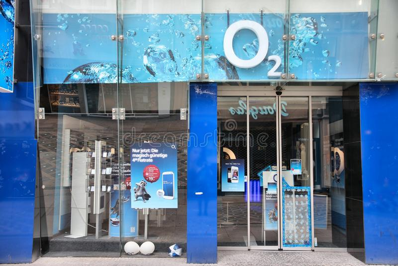 Företag för mobiltelefon O2 royaltyfria foton