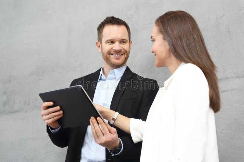 Företags anställda väntar på mötet arkivfoton