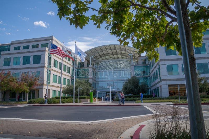 Företags högkvarter av Apple, Cupertino, Kalifornien arkivbild
