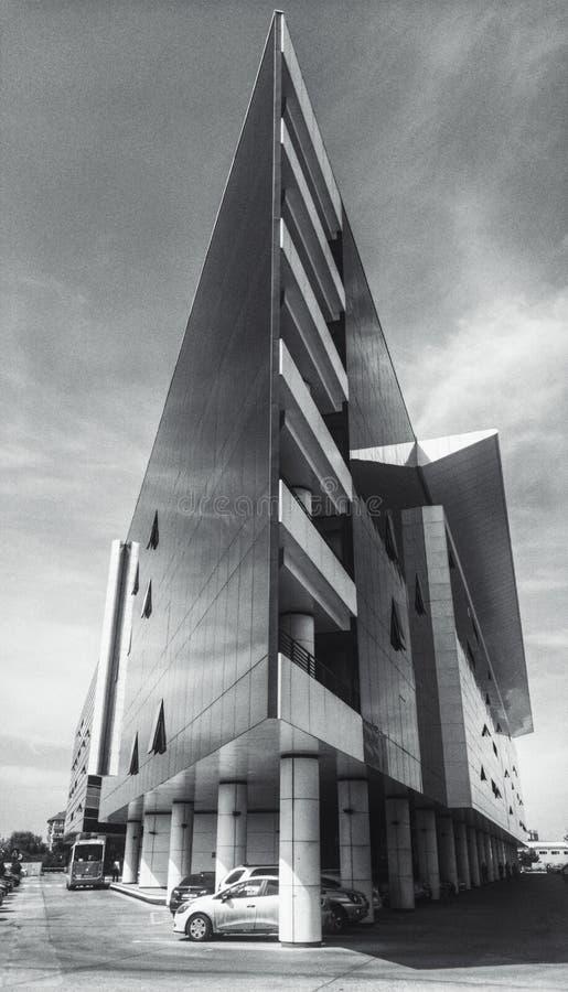 Företags kontorsbyggnadyttersida royaltyfri foto