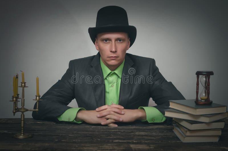 författare maffia kriminalare arkivbilder
