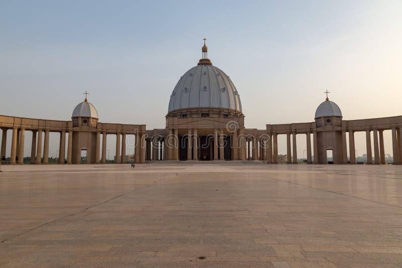 Förgården av basilikan av vår dam av fred royaltyfri bild